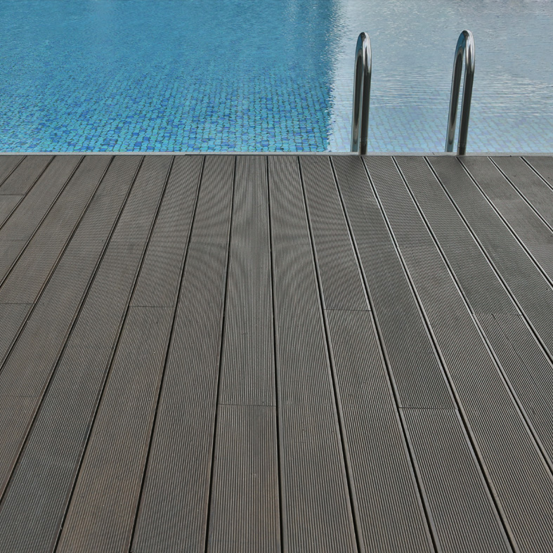 Decking_Gallery_square_2